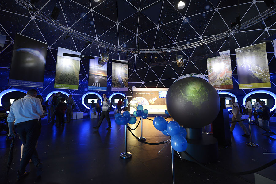 Space_Expo_05